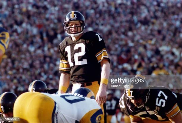 Quarterback Terry Bradshaw of the Pittsburgh Steelers calls the play during the 1980 Super Bowl XIV against the Los Angeles Rams at the Rose Bowl on...