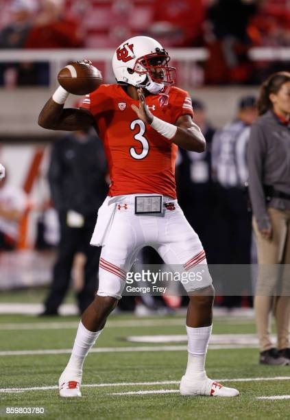 Quarterback Troy Williams of the Utah Utes warmups before an college football game against the Stanford Cardinal on October 7 2017 at Rice Eccles...