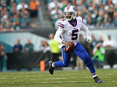 Quarterback Tyrod Taylor of the Buffalo Bills looks to pass against the Philadelphia Eagles during the first quarter at Lincoln Financial Field on...