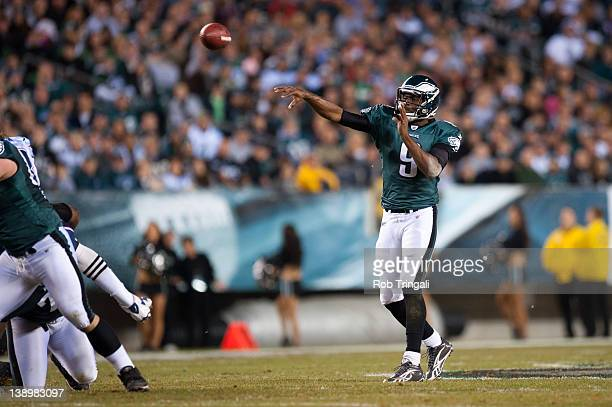 Quarterback Vince Young of the Philadelphia Eagles makes a pass during the game against the New England Patriots at Lincoln Financial Field on...