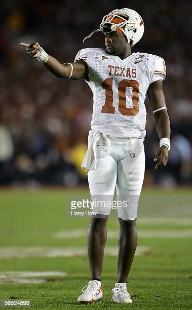 Quarterback Vince Young of the Texas Longhorns points to the field during the first half of the BCS National Championship Rose Bowl Game against the...