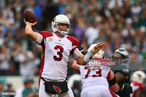 Quarterbak Carson Palmer of the Arizona Cardinals looks to pass againt the Philadelphia Eagles during the second quarter at Lincoln Financial Field...