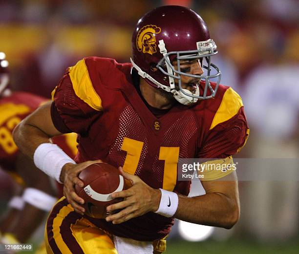 USC quarterrback Matt Leinart during 7017 victory over Arkansas at the Los Angeles Memorial Coliseum on Saturday Sept 17 2005