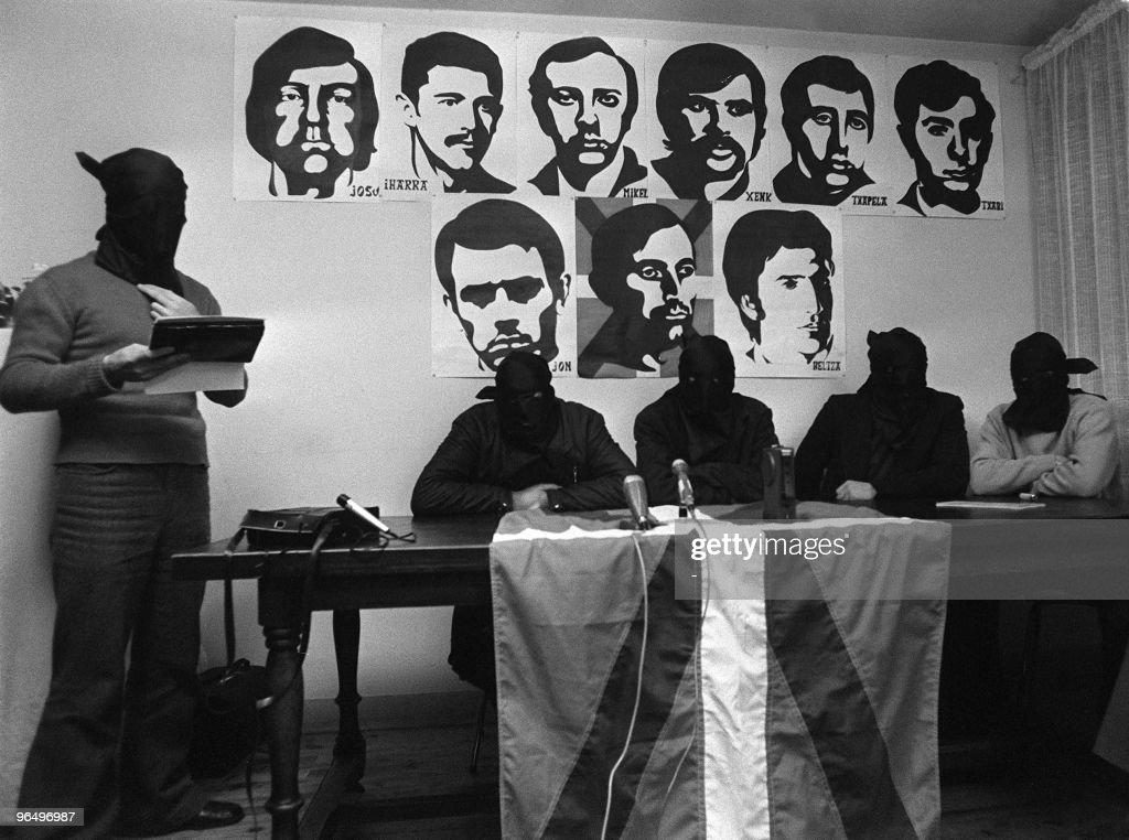 Quatre hommes masqués qui se sont présentés comme étant les membres du commando de l'organisation basque ETA auteur de l'attentat contre l'Amiral...
