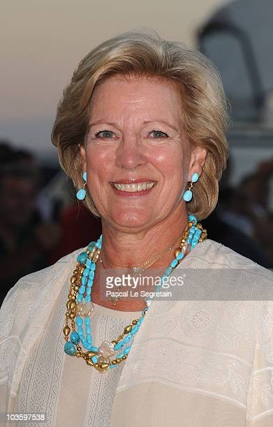 Queen Anne Marie of Greece arrives at Poseidon Grace Hotel on August 24 2010 in Spetsai Greece The small greek Island three hours from Athens is...