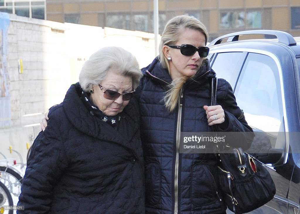 Queen Beatrix arrives at Innsbruck hospital with <a gi-track='captionPersonalityLinkClicked' href=/galleries/search?phrase=Mabel+Wisse+Smit&family=editorial&specificpeople=215129 ng-click='$event.stopPropagation()'>Mabel Wisse Smit</a>, the wife of Prince Johan Friso, on February 19, 2012 in Innsbruck, Austria. Dutch Prince Johan Friso, brother of Crown Prince Willem-Alexander, has been taken to this hospital after having been hit by an avalanche during a skiing holiday on February 17 in Lech, Austria. According to reports, the Prince was buried under snow for around 15 minutes before being rescued and resuscitated.