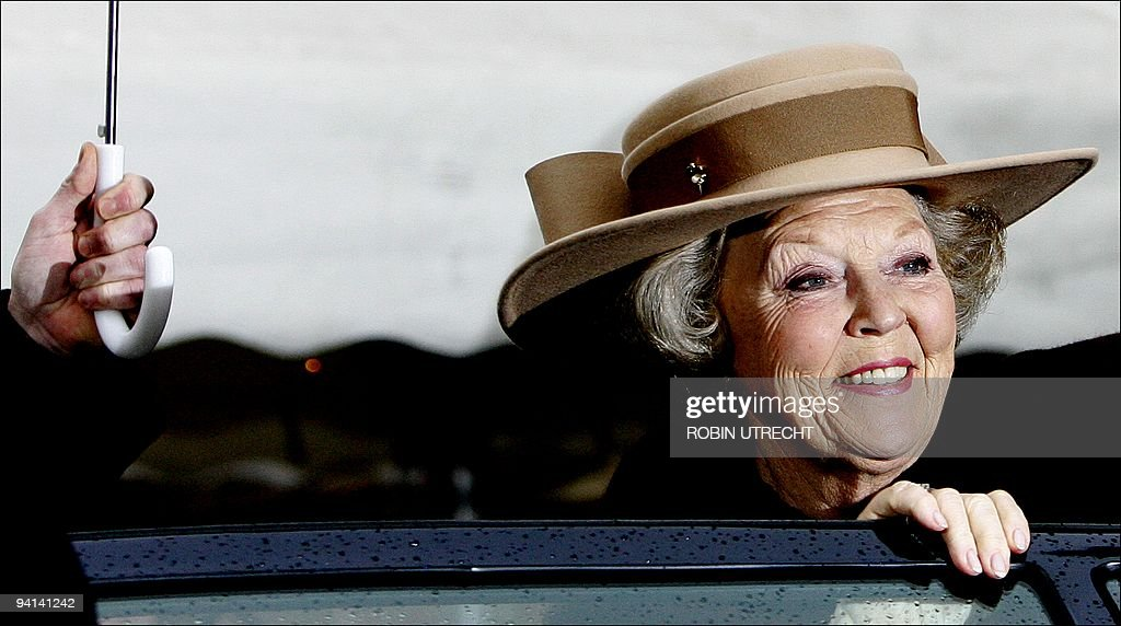 Queen Beatrix arrives to launch the commemoration year for Michiel de Ruyter, one of the most famous admirals in Dutch history 23 March 2006, in Flushing (Vlissingen). De Ruyter was born in Flushing on 24 March 1607. AFP PHOTO/ANP /ROYAL IMAGES/ROBIN UTRECHT