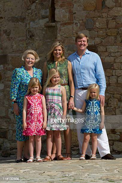 Queen Beatrix of The Netherlands Crown Princess Maxima Prince WillemAlexander and their children Princesses Alexia CatharinaAmalia and Ariane pose...