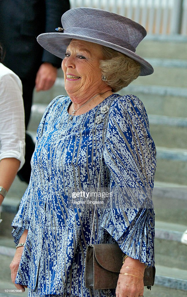 Queen Beatrix of the Netherlands visits a school during a state visit from the Netherlands Royal family on June 2, 2010 in Oslo, Norway.