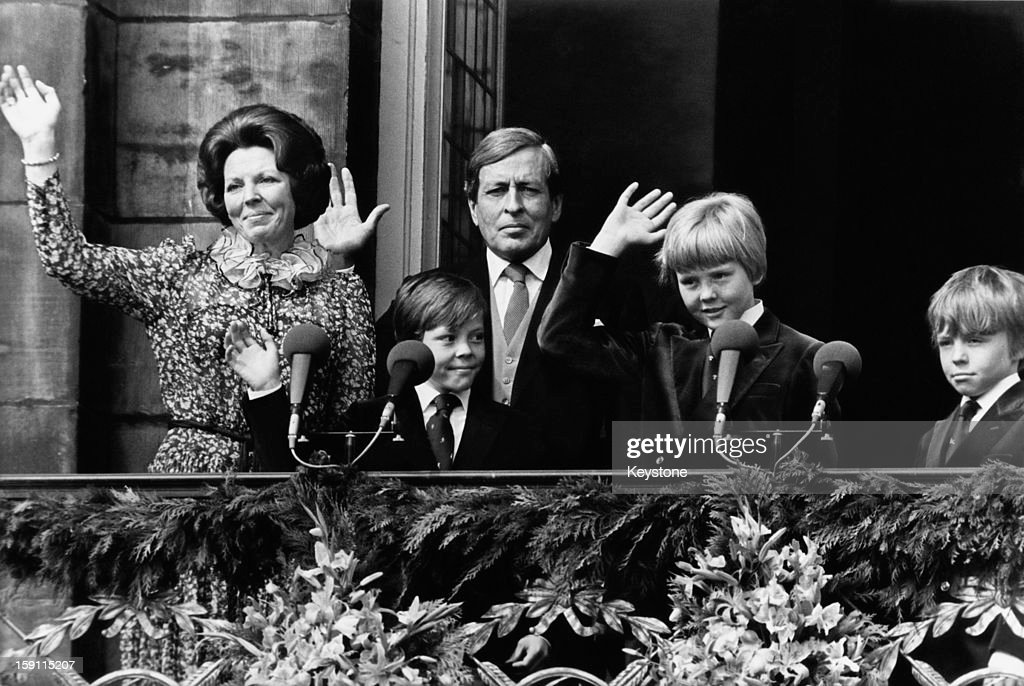 Queen <a gi-track='captionPersonalityLinkClicked' href=/galleries/search?phrase=Beatrix+of+the+Netherlands&family=editorial&specificpeople=92396 ng-click='$event.stopPropagation()'>Beatrix of the Netherlands</a> with her husband Prince Claus and their sons Prince Willem-Alexander, Prince Constantijn and Prince Johan Friso, on the balcony of the royal palace in Amsterdam, the day after Beatrix' inauguration as Queen, 1st May 1980.