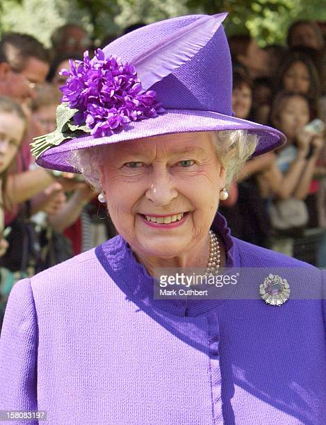 Queen Elizabeth Attends The Unveiling Of The Diana Princess Of Wales Memorial Fountain In London'S Hyde Park