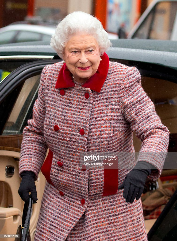 Queen <a gi-track='captionPersonalityLinkClicked' href=/galleries/search?phrase=Elizabeth+II&family=editorial&specificpeople=67226 ng-click='$event.stopPropagation()'>Elizabeth II</a>, accompanied by Prince Philip, Duke of Edinburgh, arrives at King's Cross Railway Station to take the train to King's Lynn on route to her Norfolk Estate, Sandringham House, for her traditional Christmas Break on December 20, 2012 in London, England.