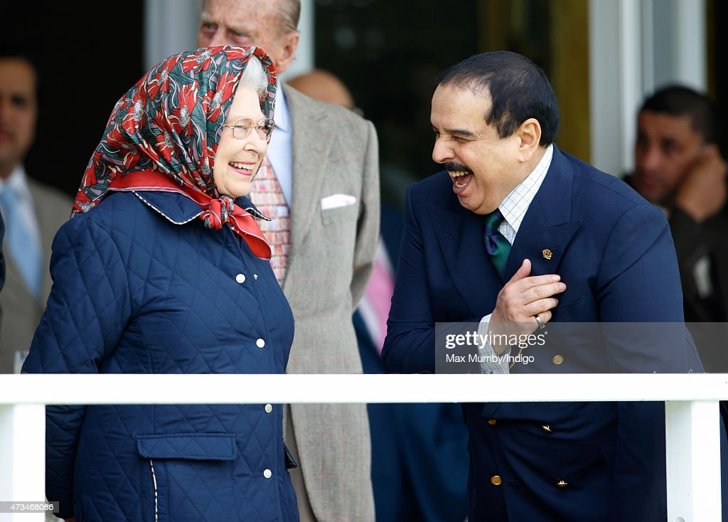 Queen <a gi-track='captionPersonalityLinkClicked' href=/galleries/search?phrase=Elizabeth+II&family=editorial&specificpeople=67226 ng-click='$event.stopPropagation()'>Elizabeth II</a> and Hamad bin Isa Al-Khalifa, King of Bahrain attend the Endurance event on day 3 of the Royal Windsor Horse Show in Windsor Great Park on May 15, 2015 in Windsor, England.