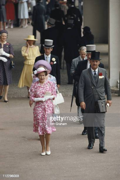 Queen Elizabeth II and her equerry Major Hugh Lindsay at the Royal Ascot meeting at Ascot racecourse in Ascot Berkshire England Great Britain 19 June...