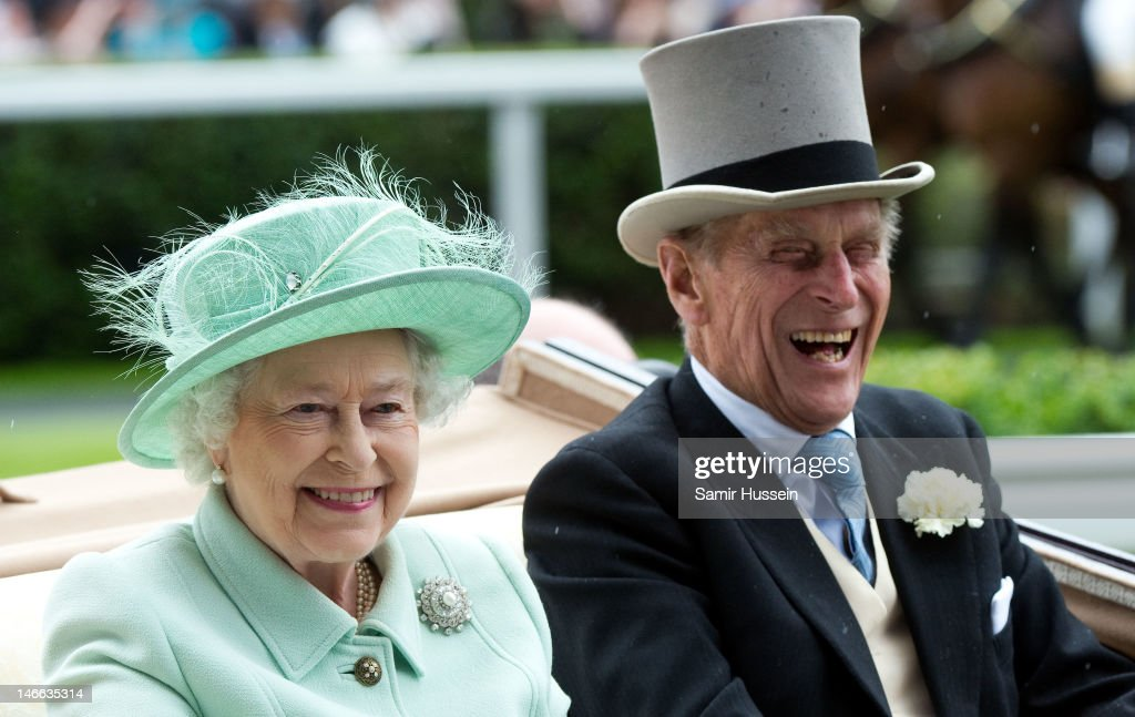 Queen <a gi-track='captionPersonalityLinkClicked' href=/galleries/search?phrase=Elizabeth+II&family=editorial&specificpeople=67226 ng-click='$event.stopPropagation()'>Elizabeth II</a> and <a gi-track='captionPersonalityLinkClicked' href=/galleries/search?phrase=Prince+Philip&family=editorial&specificpeople=92394 ng-click='$event.stopPropagation()'>Prince Philip</a>, Duke of Edinburgh arrive by carriage on Ladies Day of Royal Ascot 2012 at Ascot Racecourse on June 21, 2012 in Ascot, United Kingdom.