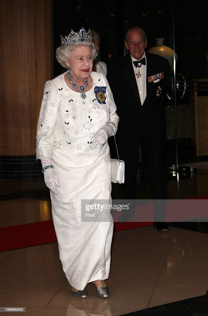 Queen <a gi-track='captionPersonalityLinkClicked' href=/galleries/search?phrase=Elizabeth+II&family=editorial&specificpeople=67226 ng-click='$event.stopPropagation()'>Elizabeth II</a> and Prince Philip, Duke of Edinburgh arrive for a banquet at Pan Pacific Perth Hotel during the Commonwealth Heads Of Government Meeting (CHOGM) on October 28, in Perth, Australia. Queen <a gi-track='captionPersonalityLinkClicked' href=/galleries/search?phrase=Elizabeth+II&family=editorial&specificpeople=67226 ng-click='$event.stopPropagation()'>Elizabeth II</a> opened CHOGM today with more than 50 commonwealth nations leaders attending the three day forum to discuss global and Commonwealth issues, and to agree on collective policies and initiatives.