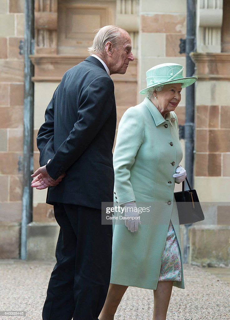 Queen <a gi-track='captionPersonalityLinkClicked' href=/galleries/search?phrase=Elizabeth+II&family=editorial&specificpeople=67226 ng-click='$event.stopPropagation()'>Elizabeth II</a> and <a gi-track='captionPersonalityLinkClicked' href=/galleries/search?phrase=Prince+Philip&family=editorial&specificpeople=92394 ng-click='$event.stopPropagation()'>Prince Philip</a>, Duke of Edinburgh arrive for a visit to Hillsborough Castle on June 27, 2016 in Belfast, Northern Ireland.