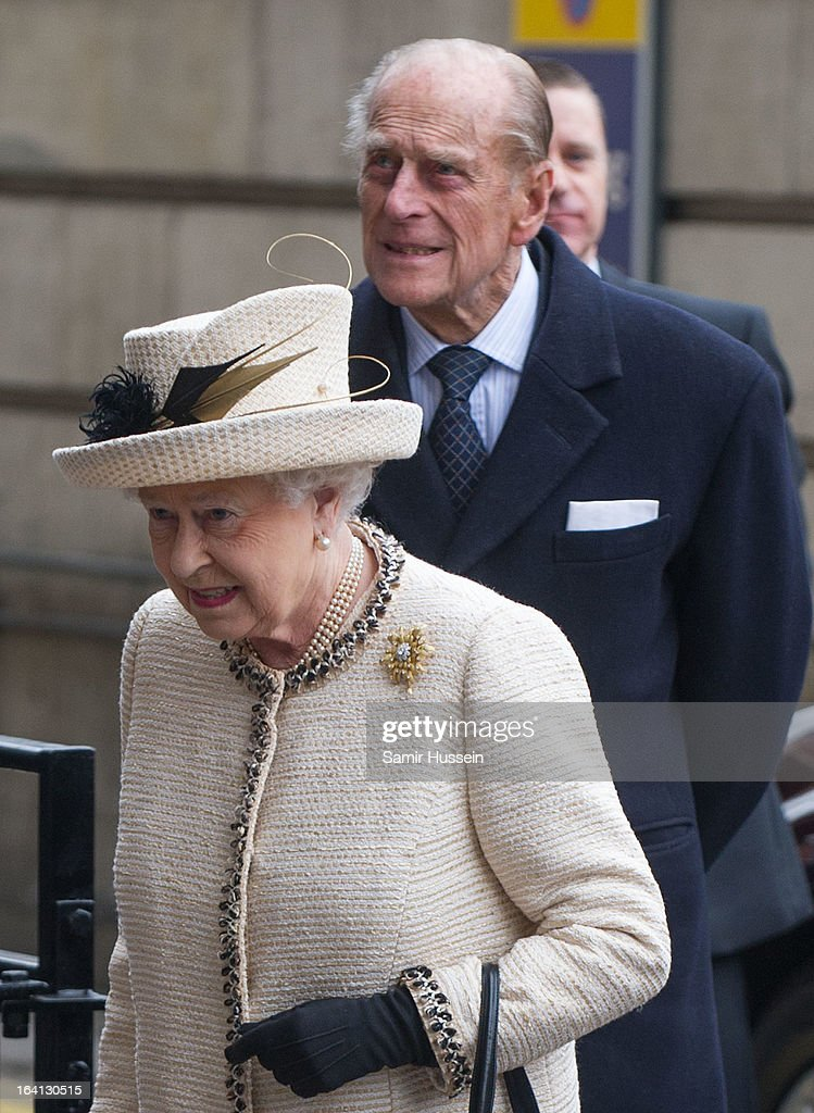 Queen Elizabeth II and <a gi-track='captionPersonalityLinkClicked' href=/galleries/search?phrase=Prince+Philip&family=editorial&specificpeople=92394 ng-click='$event.stopPropagation()'>Prince Philip</a>, Duke of Edinburgh visit Baker Street Underground Station to celebrate the Underground's 150th Birthday on March 20, 2013 in London, England.