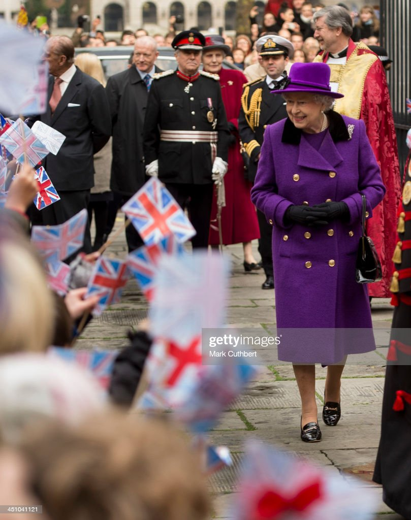 Queen <a gi-track='captionPersonalityLinkClicked' href=/galleries/search?phrase=Elizabeth+II&family=editorial&specificpeople=67226 ng-click='$event.stopPropagation()'>Elizabeth II</a> and Prince Philip, Duke of Edinburgh visit Southwark Cathedral on November 21, 2013 in London, England.