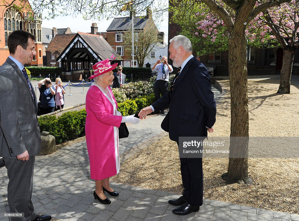 Queen <a gi-track='captionPersonalityLinkClicked' href=/galleries/search?phrase=Elizabeth+II&family=editorial&specificpeople=67226 ng-click='$event.stopPropagation()'>Elizabeth II</a> and <a gi-track='captionPersonalityLinkClicked' href=/galleries/search?phrase=Sir+Robin+Knox-Johnston&family=editorial&specificpeople=2821245 ng-click='$event.stopPropagation()'>Sir Robin Knox-Johnston</a> at Berkhamsted School's 475th Anniversary celebrations on May 6, 2016 in Berkhamsted, England.
