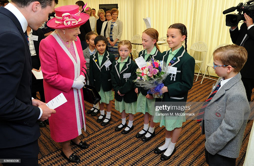 Queen <a gi-track='captionPersonalityLinkClicked' href=/galleries/search?phrase=Elizabeth+II&family=editorial&specificpeople=67226 ng-click='$event.stopPropagation()'>Elizabeth II</a> arrives at Berkhamsted School for the School's 475th Anniversary celebrations on May 6, 2016 in Berkhamsted, England.