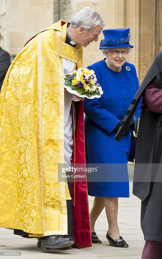 Queen <a gi-track='captionPersonalityLinkClicked' href=/galleries/search?phrase=Elizabeth+II&family=editorial&specificpeople=67226 ng-click='$event.stopPropagation()'>Elizabeth II</a> arrives at Christs Church Cathedral in Oxford for The Royal Maundy Service on March 28, 2013 in Oxford, England.