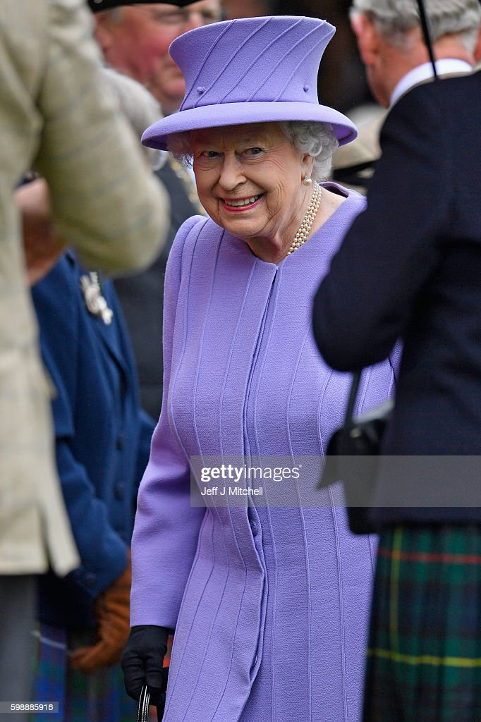 queen-elizabeth-ii-arrives-at-the-braemar-gathering-on-september-3-picture-id598885916