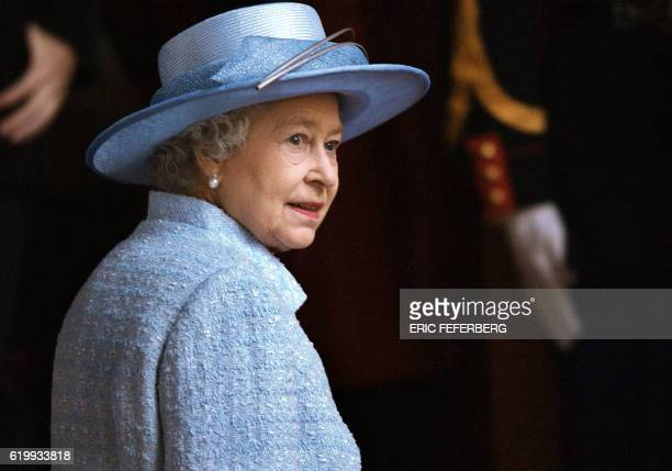 Queen Elizabeth II arrives for a calvary display by the elite Cadre Noir riding college in Paris 06 April 2004 in honour of her threeday state visit...