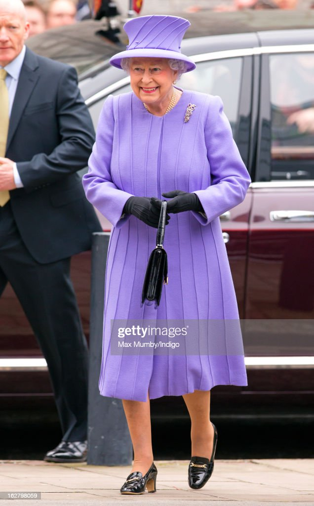 Queen <a gi-track='captionPersonalityLinkClicked' href=/galleries/search?phrase=Elizabeth+II&family=editorial&specificpeople=67226 ng-click='$event.stopPropagation()'>Elizabeth II</a> arrives to open the new National Centre for Bowel Research and Surgical Innovation at Queen Mary, University of London on February 27, 2013 in London, England.