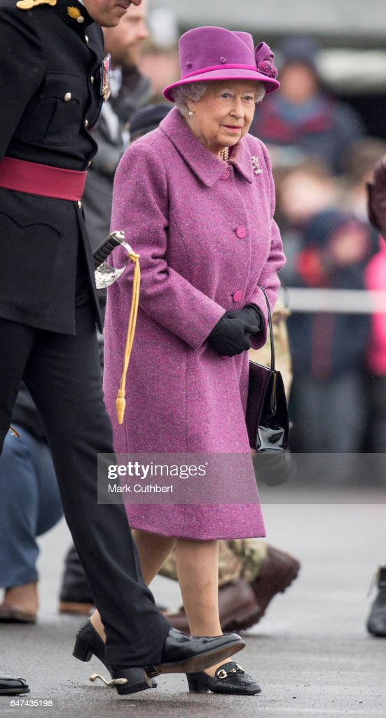 queen-elizabeth-ii-attends-a-review-and-presents-leeks-to-the-royal-picture-id647435198