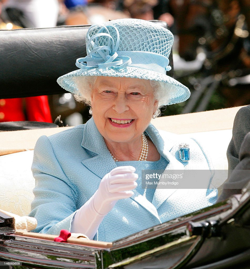 Queen <a gi-track='captionPersonalityLinkClicked' href=/galleries/search?phrase=Elizabeth+II&family=editorial&specificpeople=67226 ng-click='$event.stopPropagation()'>Elizabeth II</a> attends day 1 of Royal Ascot at Ascot Racecourse on June 19, 2012 in Ascot, England.