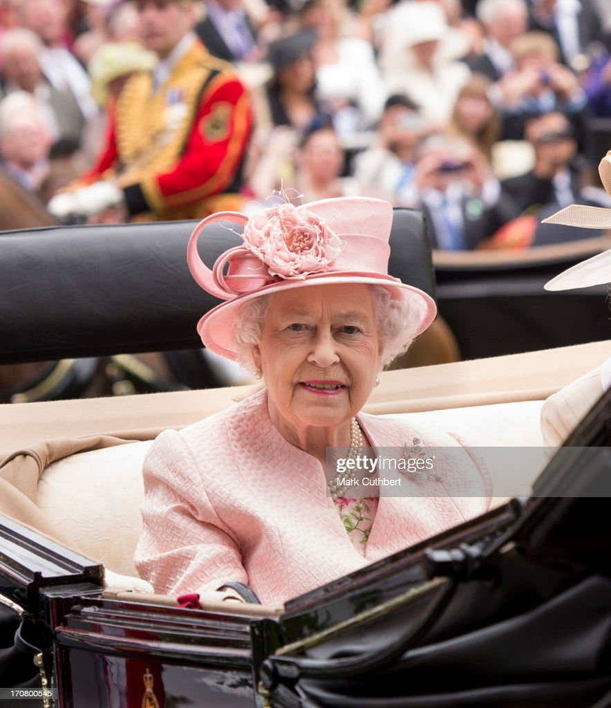 Queen <a gi-track='captionPersonalityLinkClicked' href=/galleries/search?phrase=Elizabeth+II&family=editorial&specificpeople=67226 ng-click='$event.stopPropagation()'>Elizabeth II</a> attends Day 1 of Royal Ascot at Ascot Racecourse on June 18, 2013 in Ascot, England.