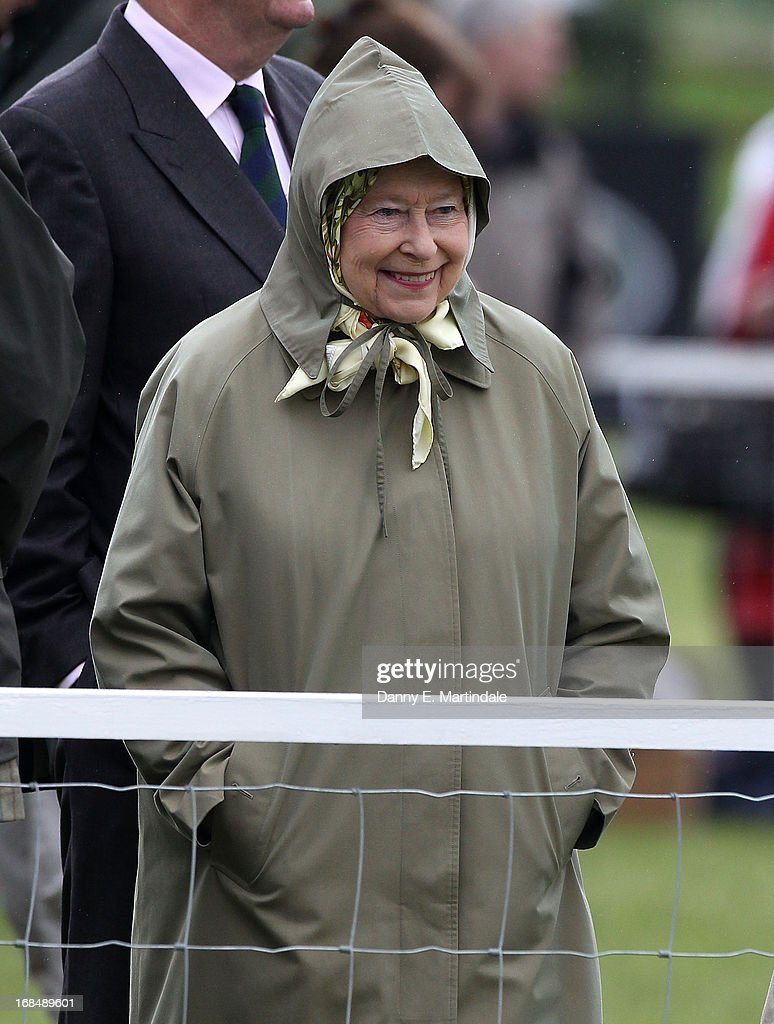 Queen <a gi-track='captionPersonalityLinkClicked' href=/galleries/search?phrase=Elizabeth+II&family=editorial&specificpeople=67226 ng-click='$event.stopPropagation()'>Elizabeth II</a> attends day 3 of the Royal Windsor Horse Show on May 10, 2013 in Windsor, England.