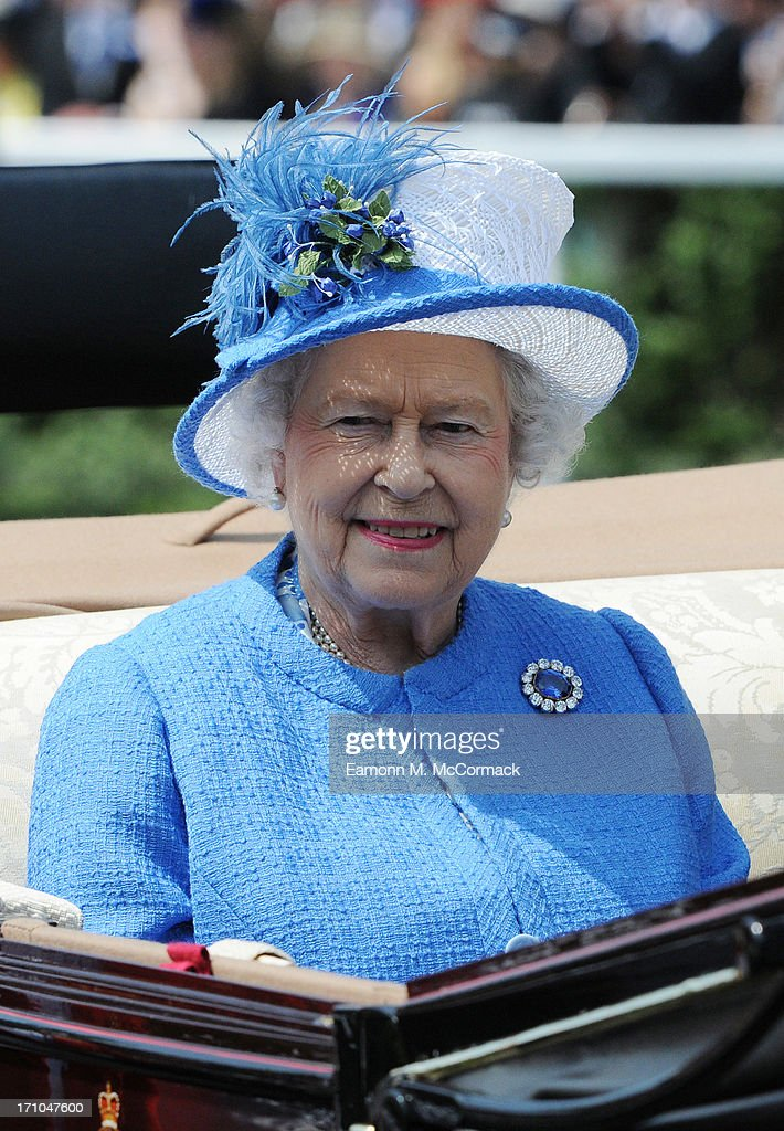 Queen <a gi-track='captionPersonalityLinkClicked' href=/galleries/search?phrase=Elizabeth+II&family=editorial&specificpeople=67226 ng-click='$event.stopPropagation()'>Elizabeth II</a> attends Day 4 of Royal Ascot at Ascot Racecourse on June 21, 2013 in Ascot, England.