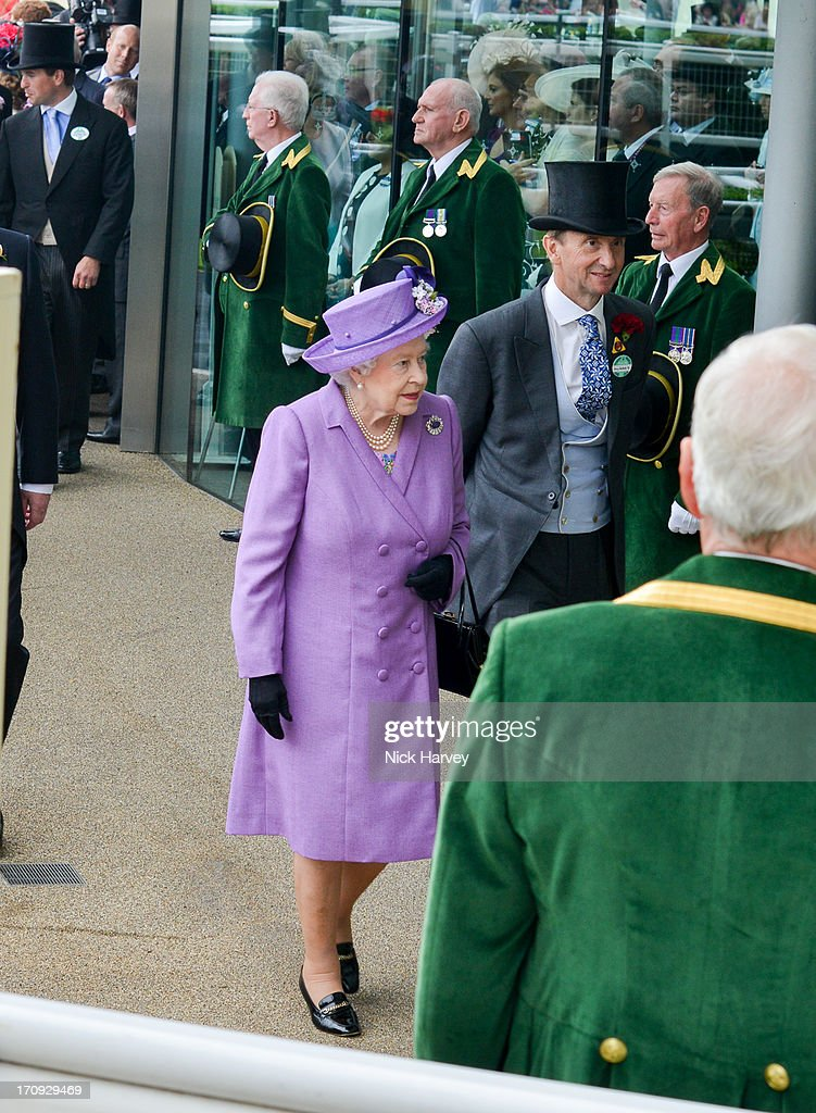 Queen Elizabeth II attends Ladies day on Day 3 of Royal Ascot at Ascot Racecourse on June 20, 2013 in Ascot, England.