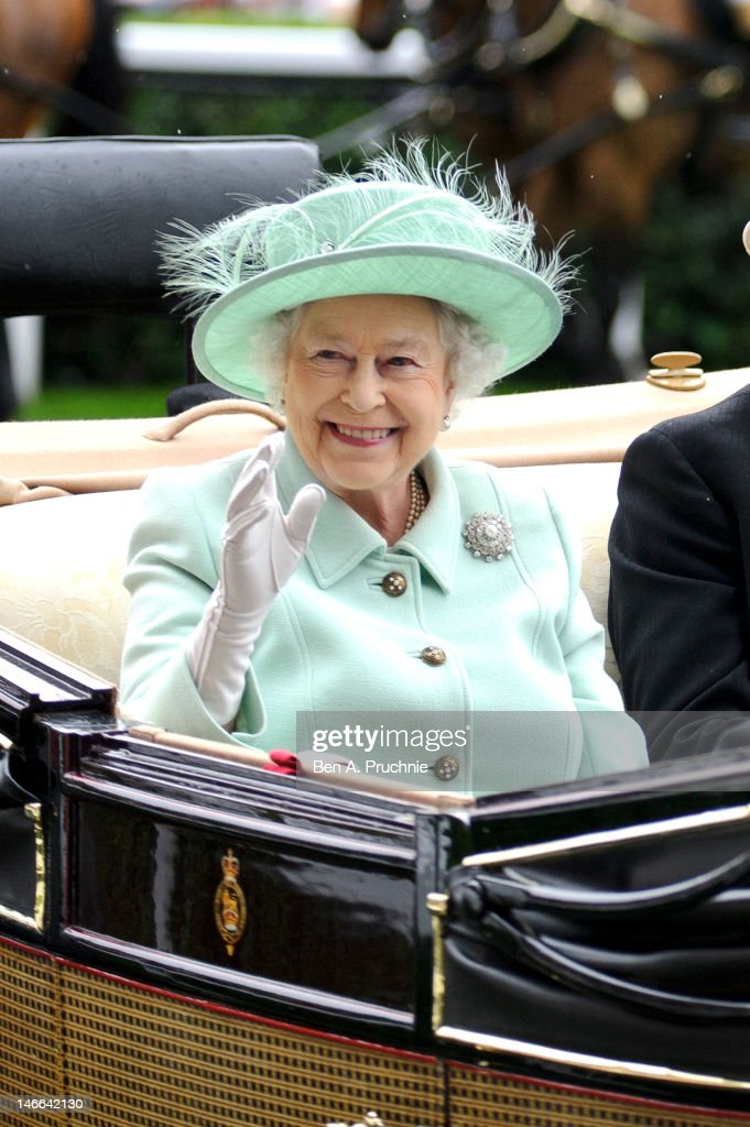 Queen <a gi-track='captionPersonalityLinkClicked' href=/galleries/search?phrase=Elizabeth+II&family=editorial&specificpeople=67226 ng-click='$event.stopPropagation()'>Elizabeth II</a> attends Ladies Day on day three of Royal Ascot at Ascot Racecourse on June 21, 2012 in Ascot, England.