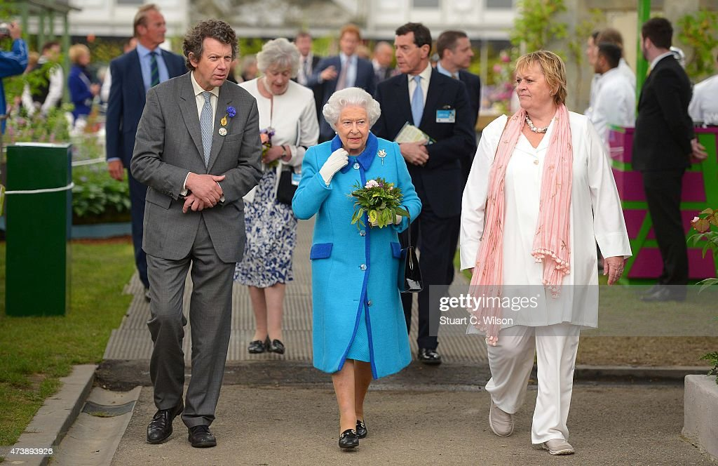 Queen Elizabeth II attends the annual Chelsea Flower show at Royal Hospital Chelsea on May 18, 2015 in London, England.