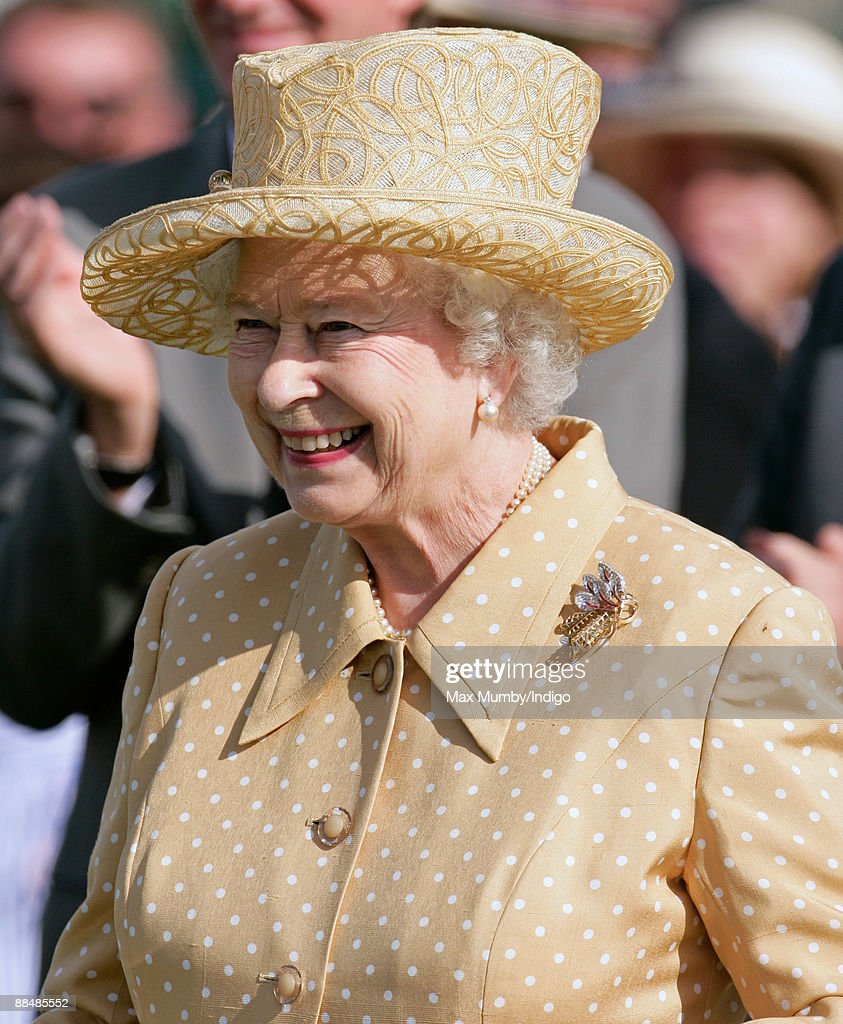 Queen <a gi-track='captionPersonalityLinkClicked' href=/galleries/search?phrase=Elizabeth+II&family=editorial&specificpeople=67226 ng-click='$event.stopPropagation()'>Elizabeth II</a> attends The Harcourt Developments Queen's Cup Final at Guards Polo Club on June 14, 2009 in Egham, England.
