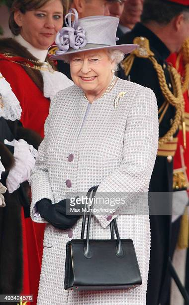 Queen Elizabeth II attends the Official Ceremonial Welcome for the Chinese State Visit on October 20 2015 in London England The President of the...
