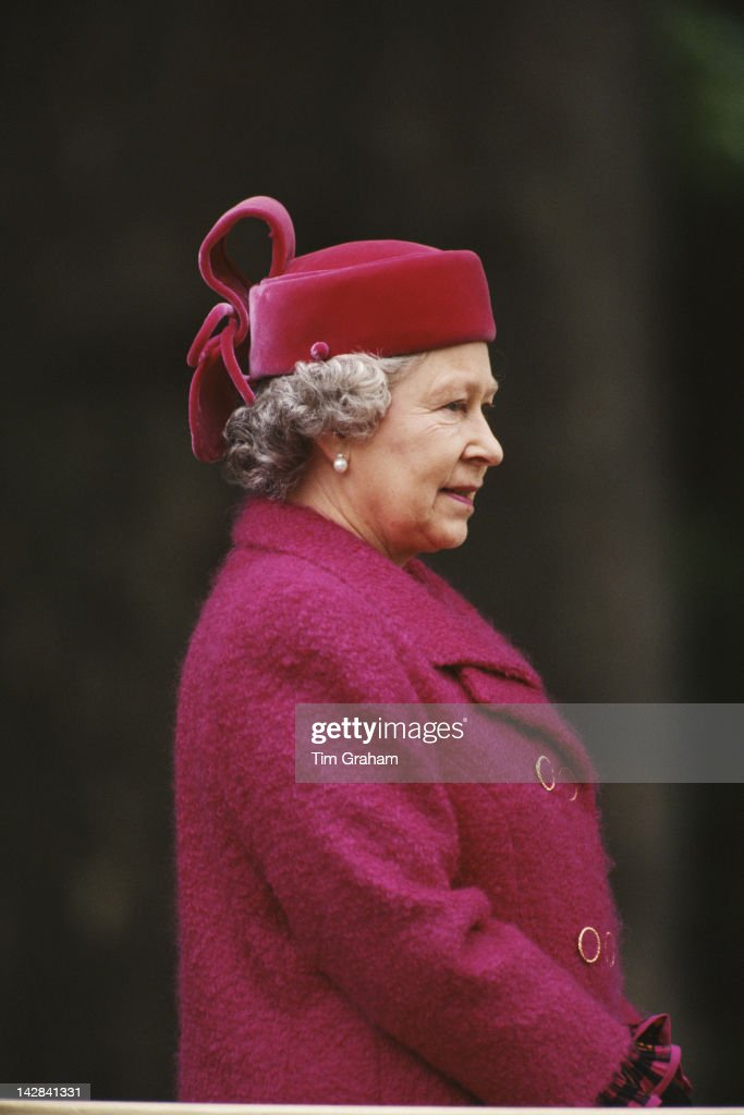 Queen <a gi-track='captionPersonalityLinkClicked' href=/galleries/search?phrase=Elizabeth+II&family=editorial&specificpeople=67226 ng-click='$event.stopPropagation()'>Elizabeth II</a> attends the Old Comrades' Parade at the Cavalry Memorial in Hyde Park, London, 21st May 1995.