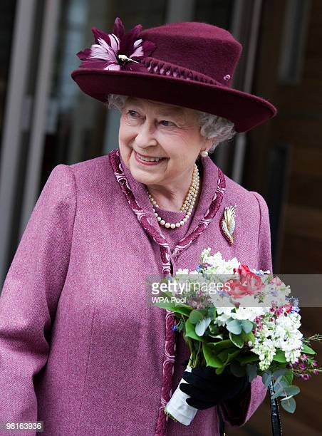 Queen Elizabeth II attends the opening of the new Cancer Centre of The London Clinic on March 31 2010 in London England The Queen and the Duke Of...