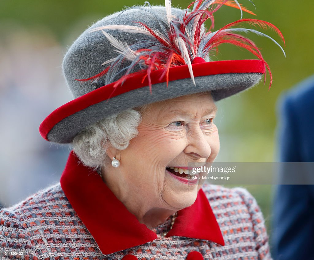 queen-elizabeth-ii-attends-the-qipco-british-champions-day-racing-at-picture-id614896432
