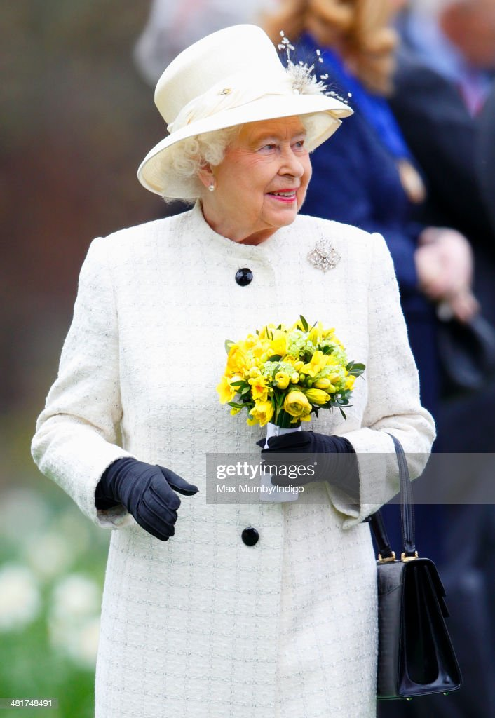 Queen <a gi-track='captionPersonalityLinkClicked' href=/galleries/search?phrase=Elizabeth+II&family=editorial&specificpeople=67226 ng-click='$event.stopPropagation()'>Elizabeth II</a> attends the Windsor Greys Statue unveiling on March 31, 2014 in Windsor, England. The statue marks 60 years of The Queen's Coronation in 2013 and the important role played by Windsor Greys in the ceremonial life of the Royal Family and the Nation.