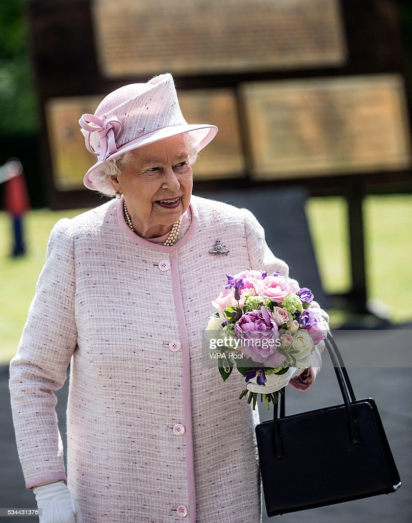 Queen <a gi-track='captionPersonalityLinkClicked' href=/galleries/search?phrase=Elizabeth+II&family=editorial&specificpeople=67226 ng-click='$event.stopPropagation()'>Elizabeth II</a>, Captain-General of the Royal Regiment of Artillery, oversees a Royal Review on the occasion of their Tercentenary at Knighton Down on May 26, 2016 in Lark Hill, England. Queen Eliabeth II has been Captain-General of the Royal Regiment of Artillery since 6 February 1952.