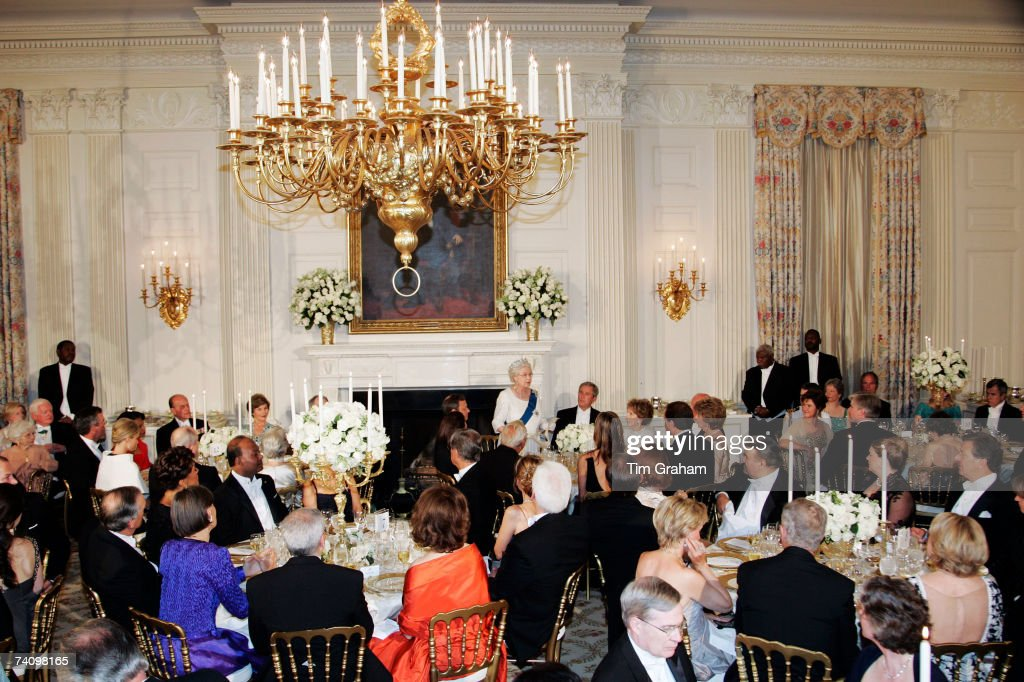 Queen <a gi-track='captionPersonalityLinkClicked' href=/galleries/search?phrase=Elizabeth+II&family=editorial&specificpeople=67226 ng-click='$event.stopPropagation()'>Elizabeth II</a> delivers a speech at a State Dinner at the White House on the fifth day of her USA tour on May 7, 2007 in Washington, DC.