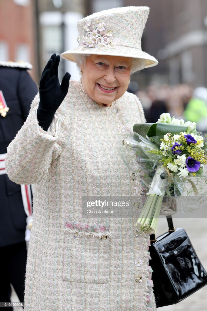 queen-elizabeth-ii-departs-from-the-charterhouse-as-she-and-prince-picture-id646166928