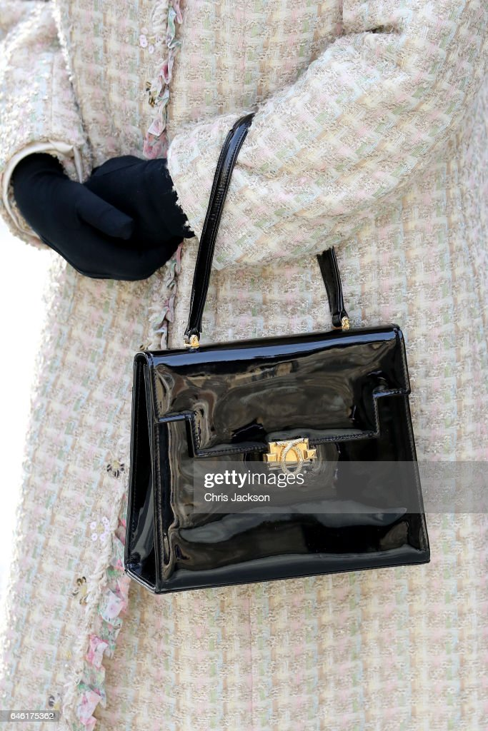 queen-elizabeth-ii-detail-opens-a-new-development-at-the-charterhouse-picture-id646175362