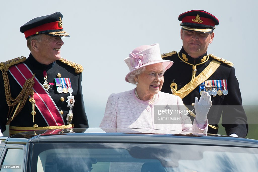 summary of regal as a queen Queen elizabeth and prince william are the epitome of regal the 92-year-old head of the british monarchy and the duke of cambridge stepped out in their most elaborate ensembles yet to attend the .