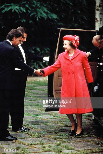 Queen Elizabeth II greets Felipe Gonzalez former Spanish Prime Minister during a state visit to Spain on October 18 1988 in Madrid Spain