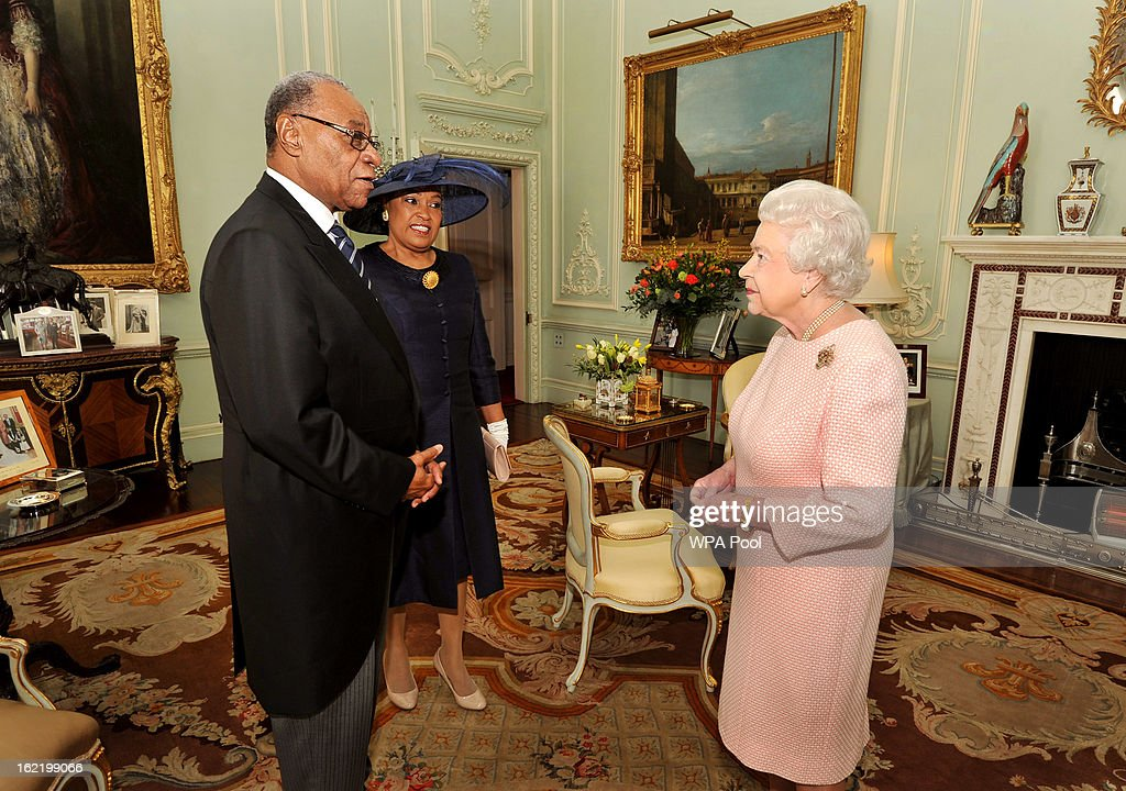 Queen <a gi-track='captionPersonalityLinkClicked' href=/galleries/search?phrase=Elizabeth+II&family=editorial&specificpeople=67226 ng-click='$event.stopPropagation()'>Elizabeth II</a> greets His Excellency the High Commissioner of the Bahamas Mr Eldred Bethel, as he and his wife Dawne were invited to a private audience with Her Majesty, at Buckingham Palace on February 20, 2012 in London, England.